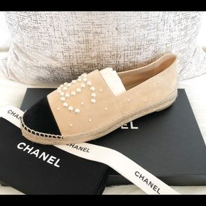 Chanel 17B Beige Black CC Pearl Espadrille flats